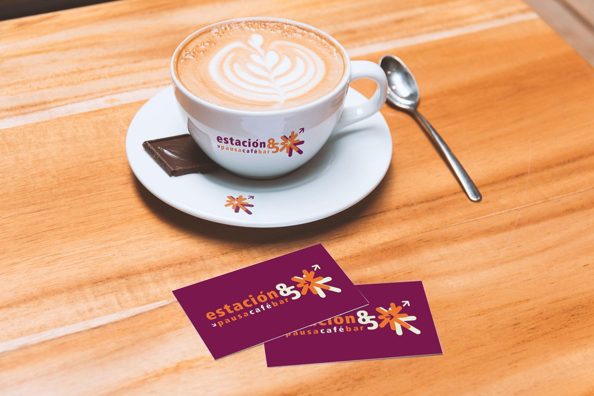 Taza Logotipo Fachada Restaurante Cafe Estación 85